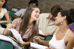 Kaip susirasti draugų užsieny turint sunkinančių problemų